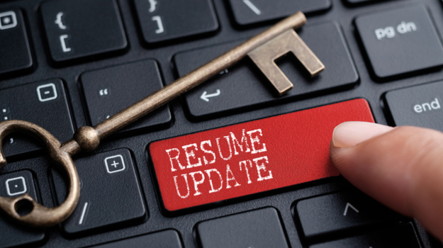 why you should update your resume now  even if you u2019re not
