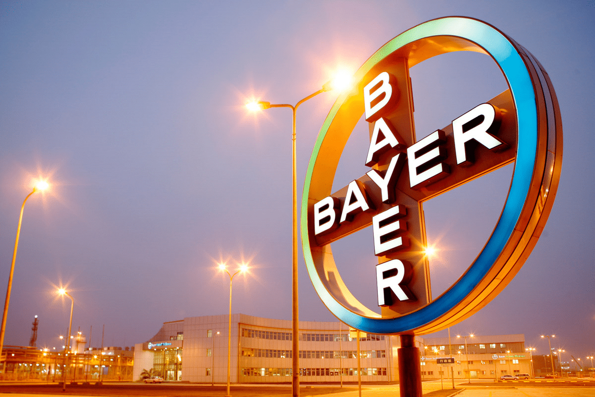 bayer-cross1_252863_122003